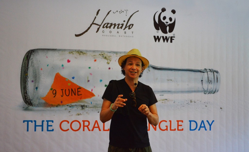 """International Celebrity Chef Bobby Chinn addresses the crowd at Hamilo Coast in Batangas. """"As seafood consumers, we all have a responsibility to ensure that the fish we eat comes from sustainable sources.""""(Gregg Yan / WWF-Philippines)"""