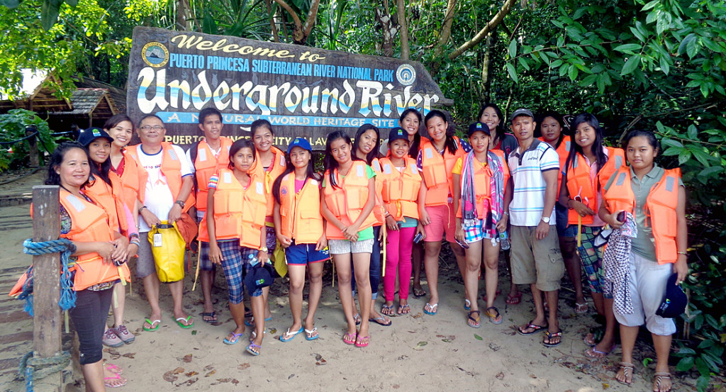 The experience opened their eyes to the challenges and responsibilities faced by their generation in helping preserve the environment. (Photo from: The Coral Triangle Initiative Southeast Asia)