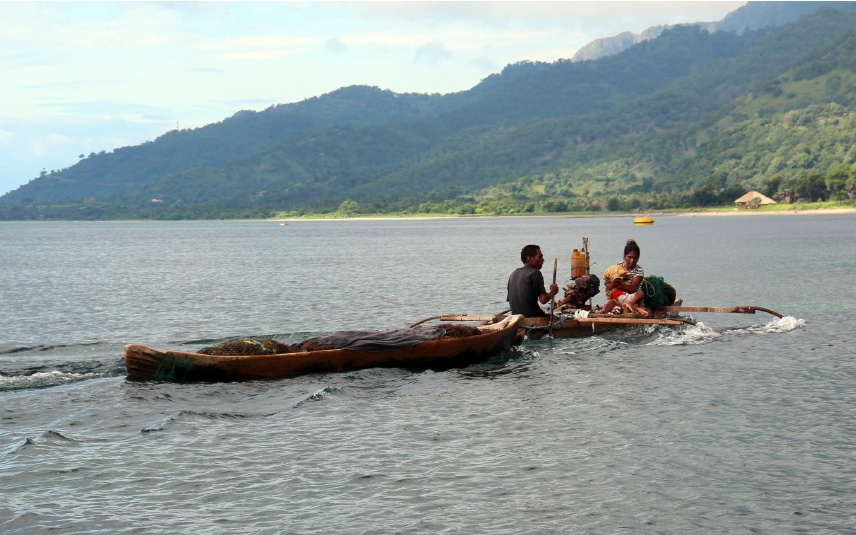A fishing family off the island of Atauro, Timor-Leste. (Photo by WorldFish)